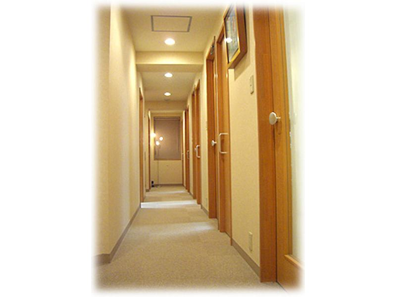 プライバシーを考えた 完全個室の診療室です