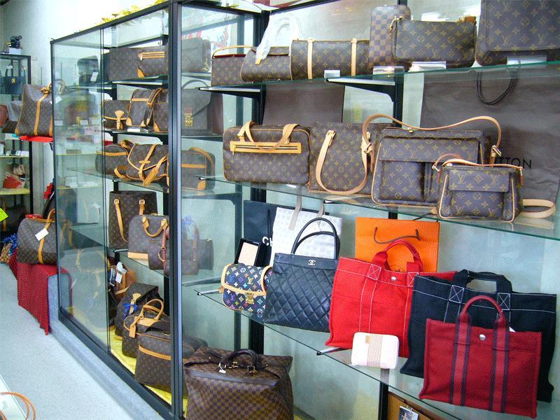 各種財布や小物もございます