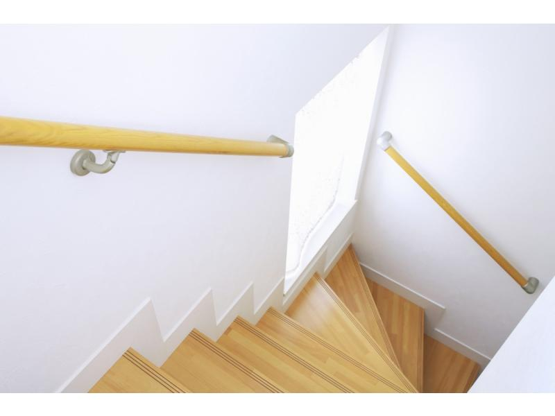 廊下や階段、浴室などの手摺の取付