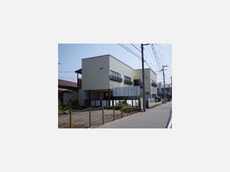 JR青梅線拝島駅南口より徒歩3分です
