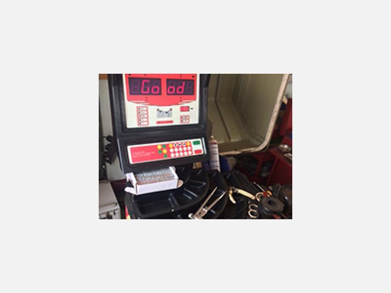 茨城県筑西市のタイヤ屋 タイヤ屋glove