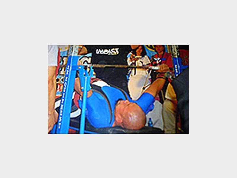 担当は2006年アジアベンチプレス選手金メダリスト