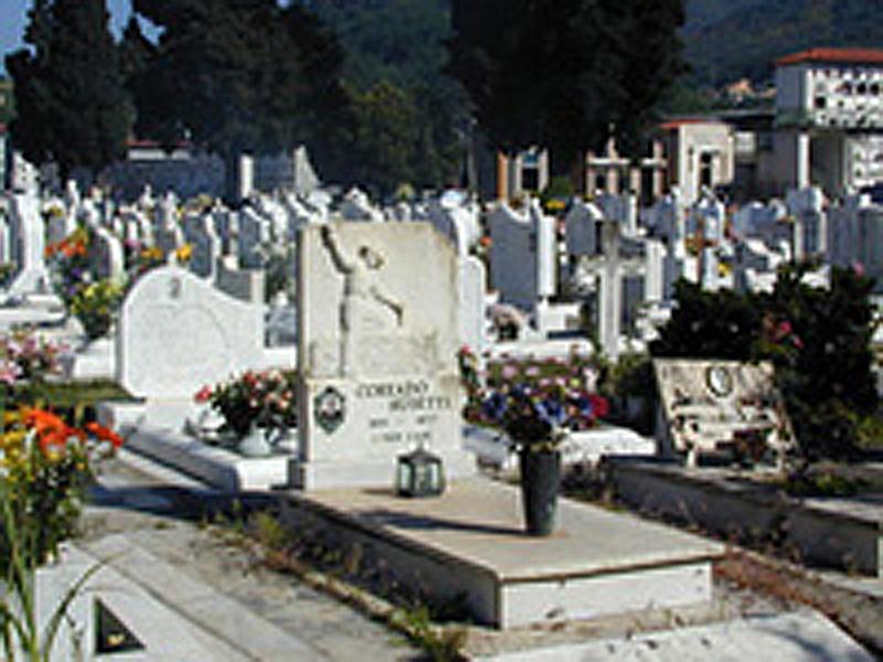 イタリアの墓石