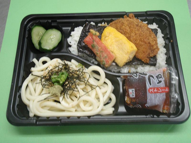 よさこい弁当(うどん+のり弁)450円