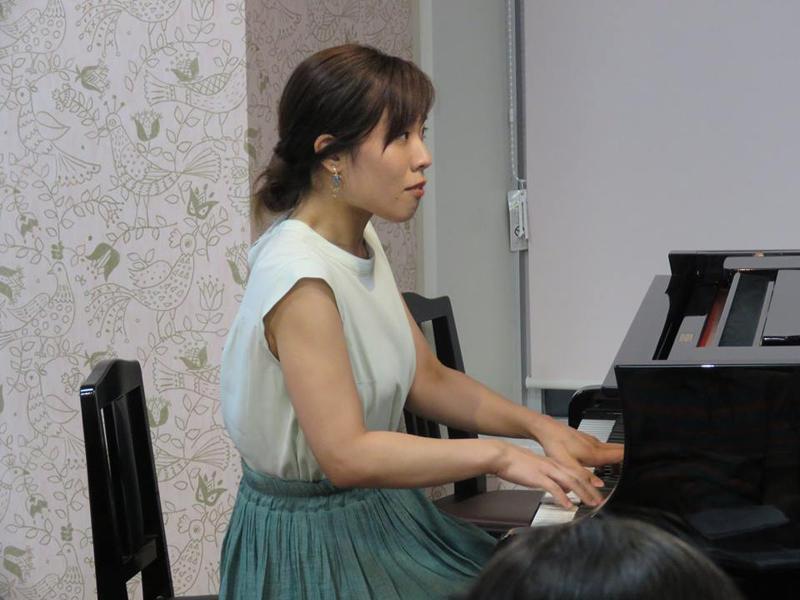 中山瞳:東京藝術大卒業。同大学院修了。ウィーン国立大学修了