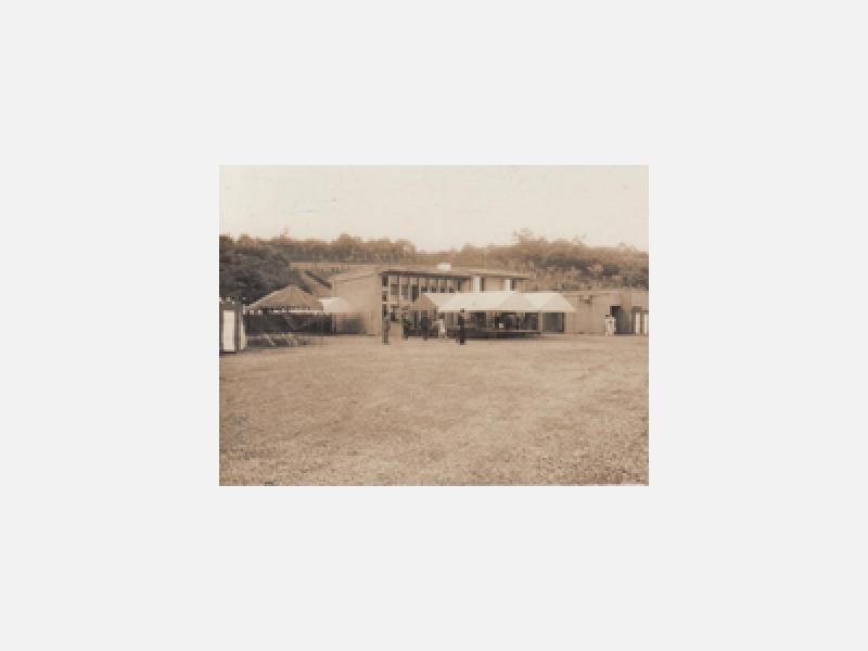 開園から10年、昭和48年5月18日常修寺・管理事務所落成