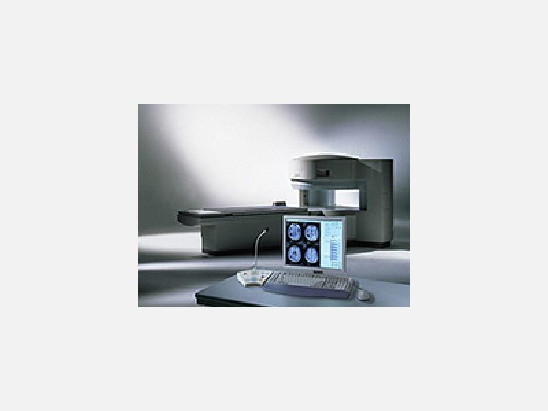 MRI (磁気共鳴診断装置)