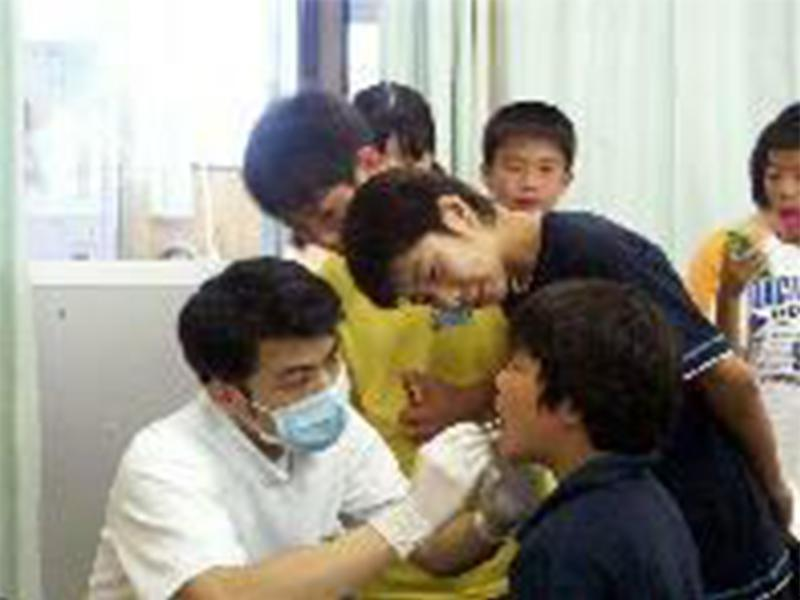 院外活動 小学校での歯科衛生指導