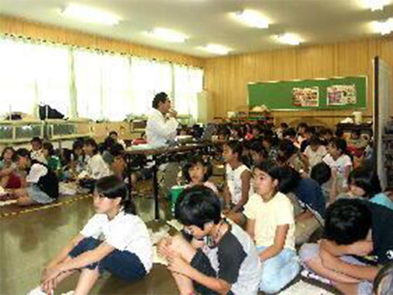 小学校での歯科衛生指導