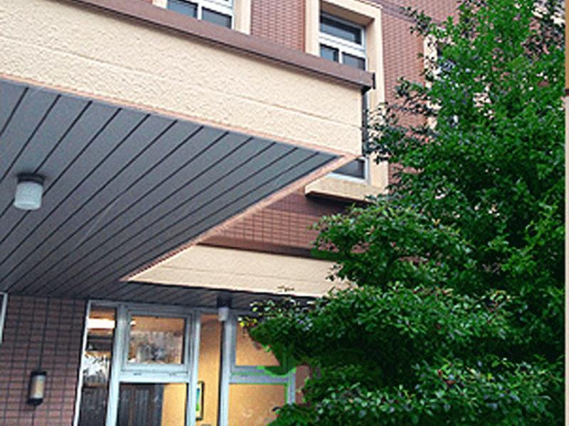 中村区岩塚にある小児科医院です。