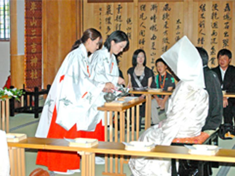 ご神前での結婚式