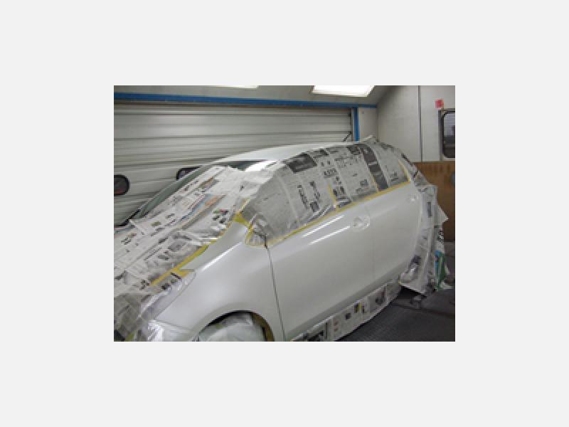 板金・塗装 お客様のご要望に応じたフレキシブルな作業が可能
