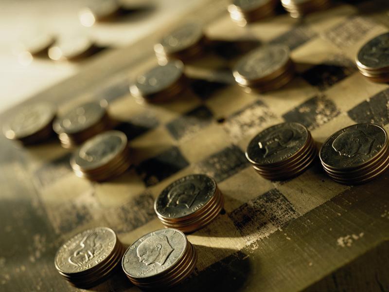 プラチナ、金、銀、古銭