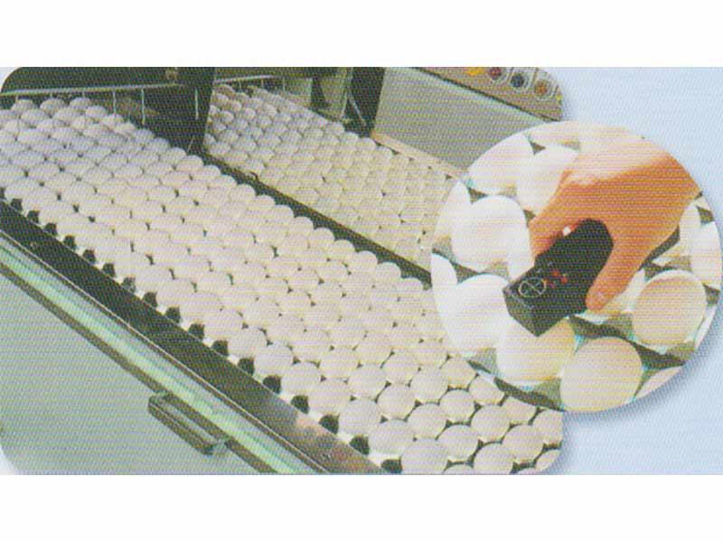 選別(半自動検卵装置)