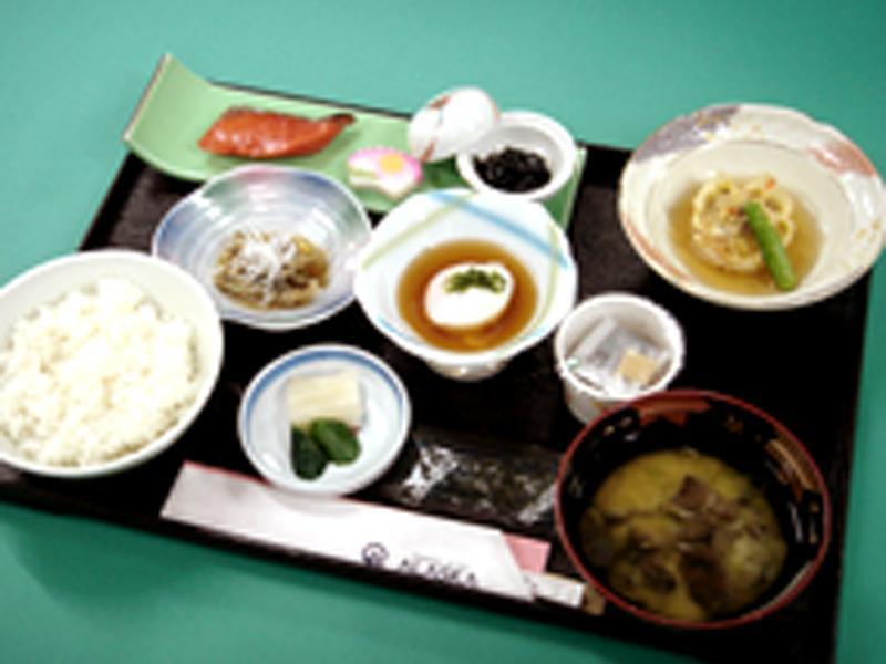 ★朝食:和定食 972円(税込)