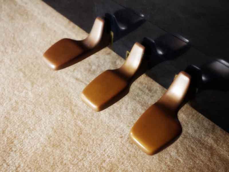 ピアノの調律と修理に特化して対応しております