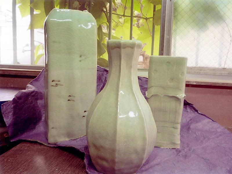 陶芸教室のベテラン会員の皆様の作品です。