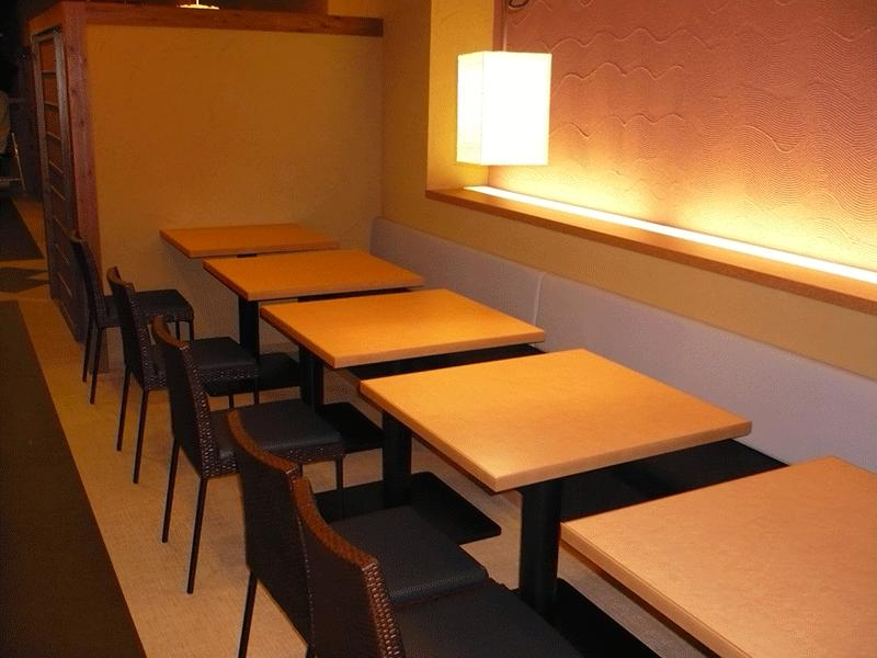 飲食店・カラオケ・居酒屋などの椅子やテーブル