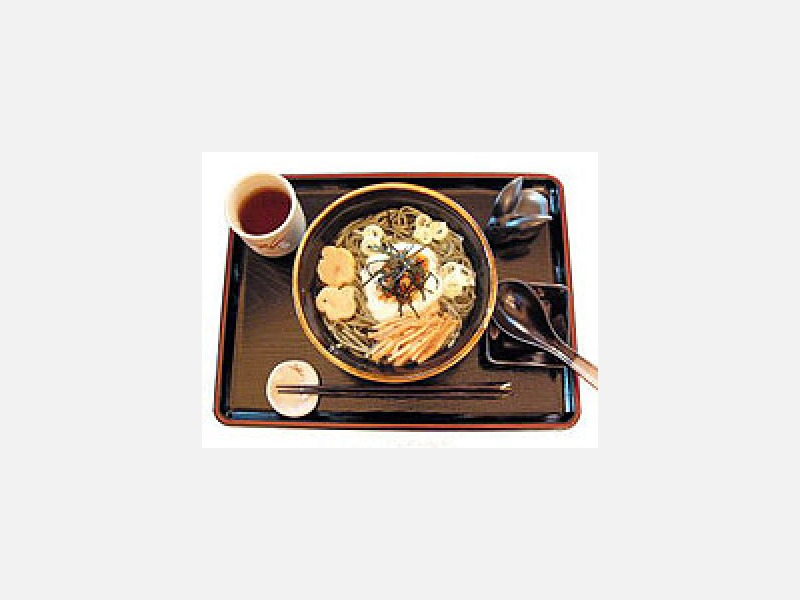 よもぎうどん ¥715(税込)