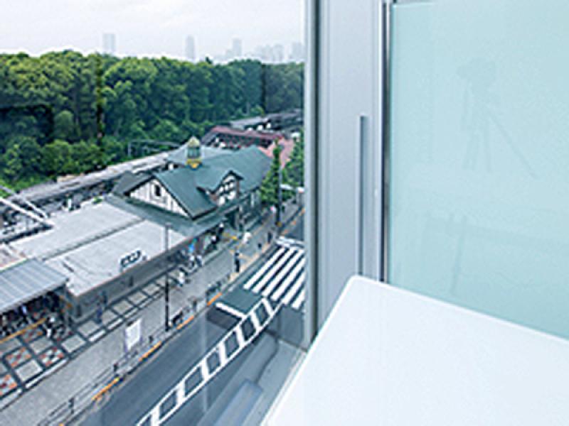 原宿駅から徒歩0分