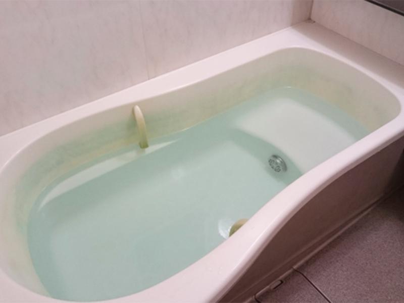 お風呂の水が流れない