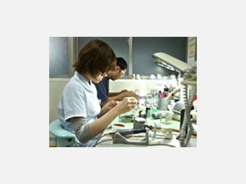 ◇ 歯科技工室 ◇