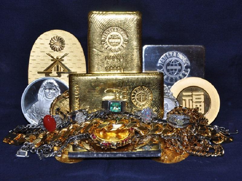 金・プラチナ・宝石・貴金属 取扱っております