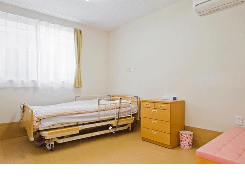 個室完備、多床室(4人部屋)も有