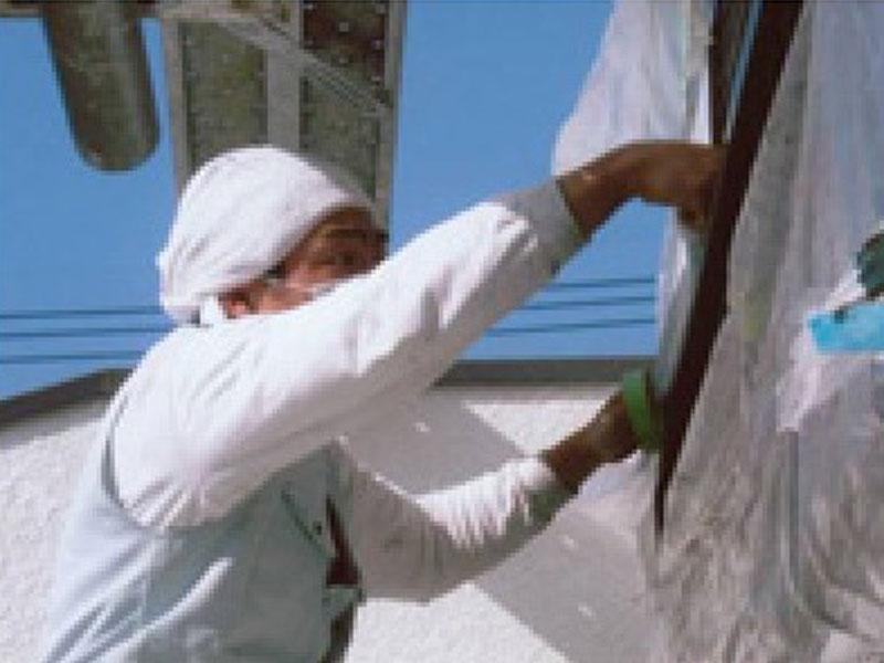 外壁塗装 塗装 防水 屋根工事前に養生、ケレン、シーリング