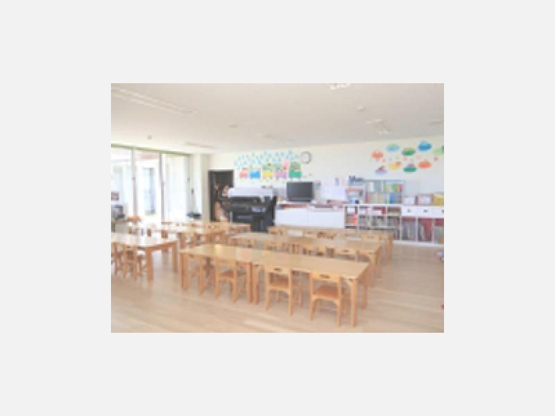 教室:ゆったりとした基準以上の広さ