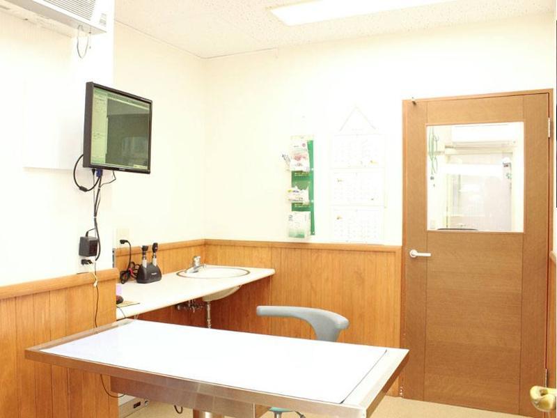 【第一診察室】 救急の場合はまずお電話下さい。