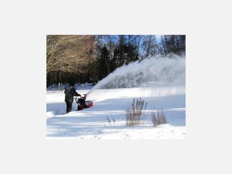冬はしっかり除雪を行います