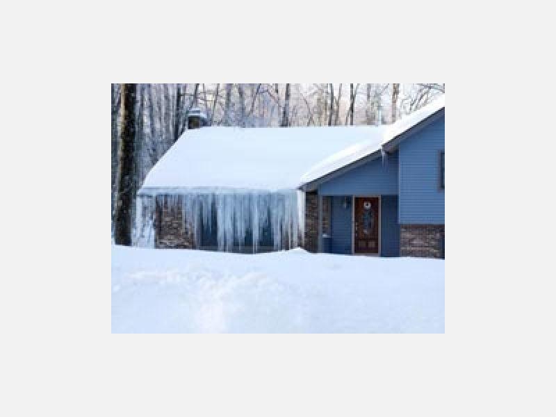 除雪は店舗や駐車場なども