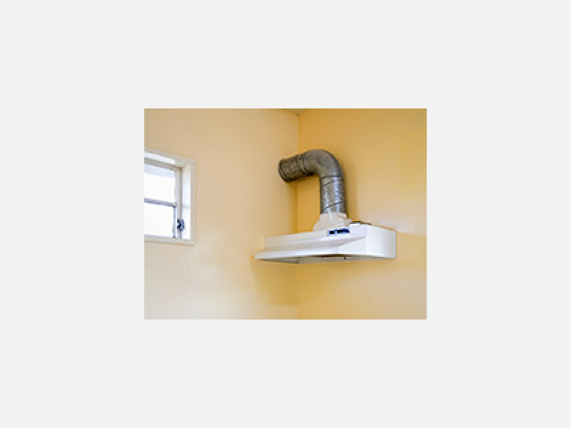 換気扇の頑固な油汚れも、分解洗浄で内部のすみずみまでキレイに
