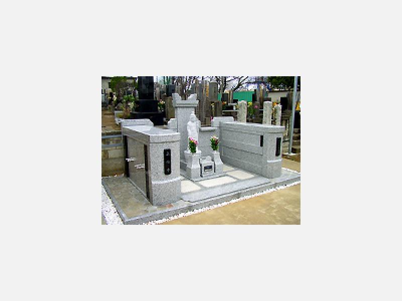 従来の一般的な墓所・墓石から自社設計の「デザイン墓石」まで