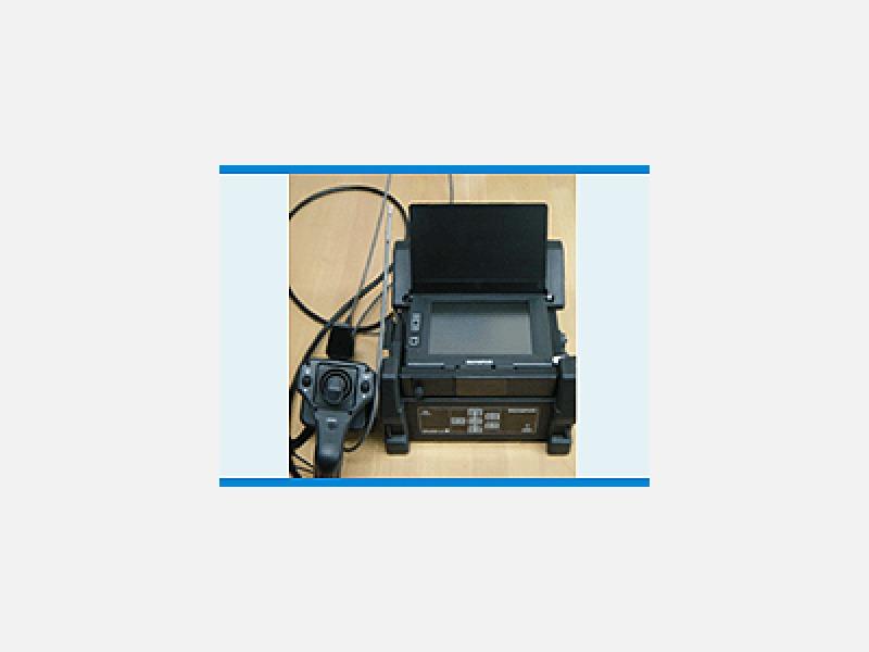 病院などで使用している胃カメラを、水道管用に改良