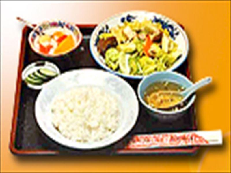 ▲ボリューム満点!ご飯も美味しい「野菜炒め定食」