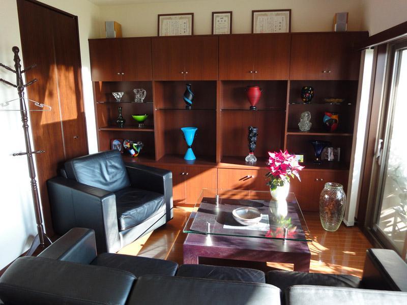 明るい雰囲気の相談室