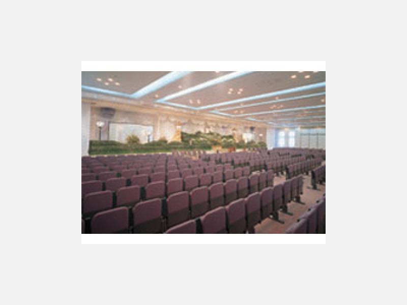 社葬・団体葬に対応した大ホール