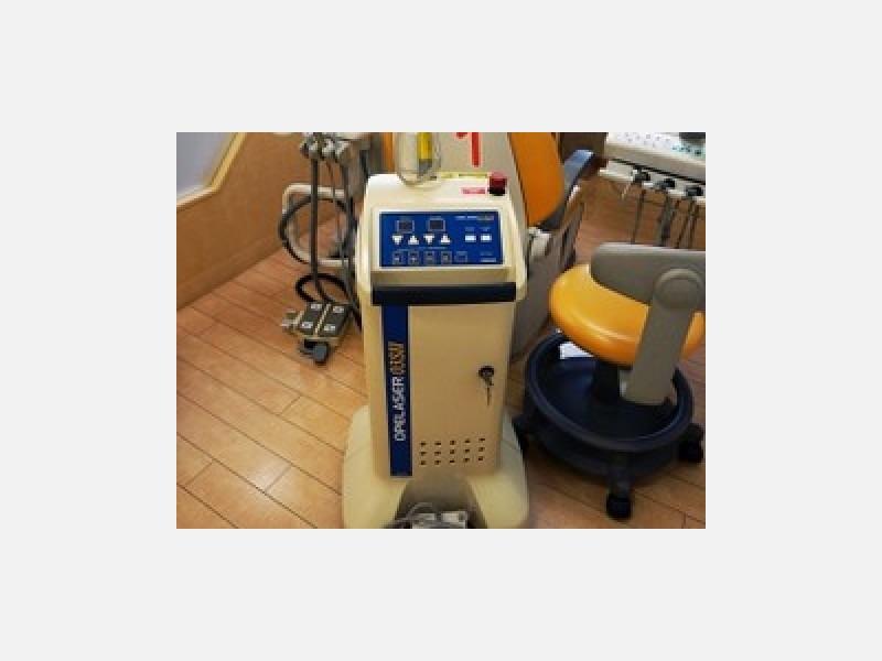痛みや不快感の少ないレーザー治療器