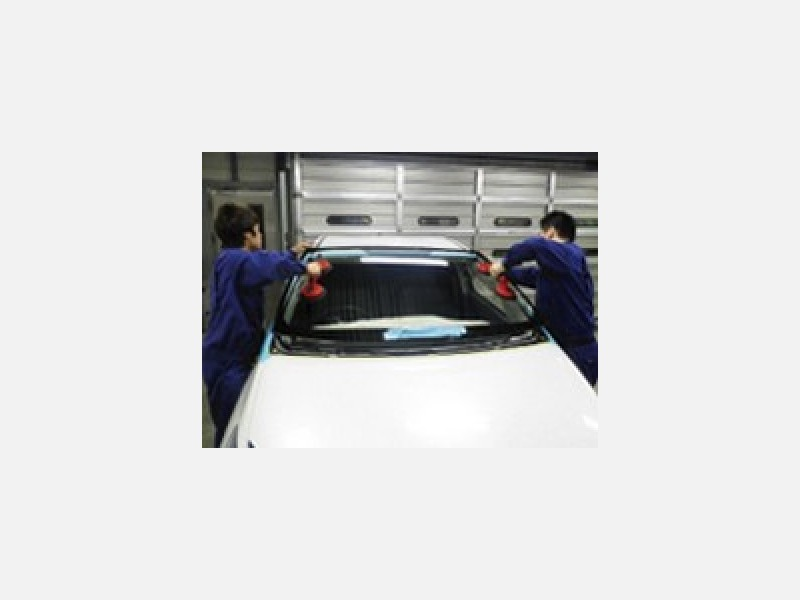 純正、国産優良品、輸入品各種取り揃えで安心施工