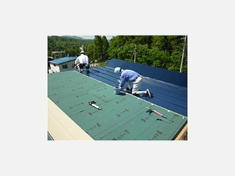 ⑤屋根材貼