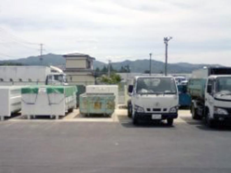 藤工では、産業廃棄物の収集運搬を行っております