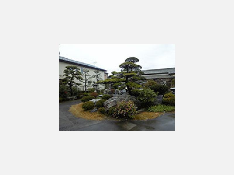 埼玉県上尾市の石材施工管理士がいる石材店【小山石材工業所】