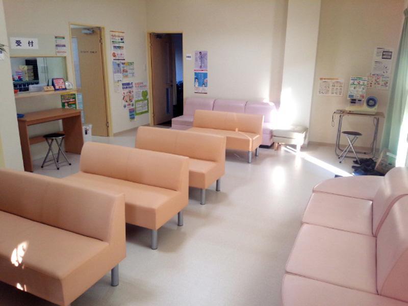 広くて綺麗な待合室
