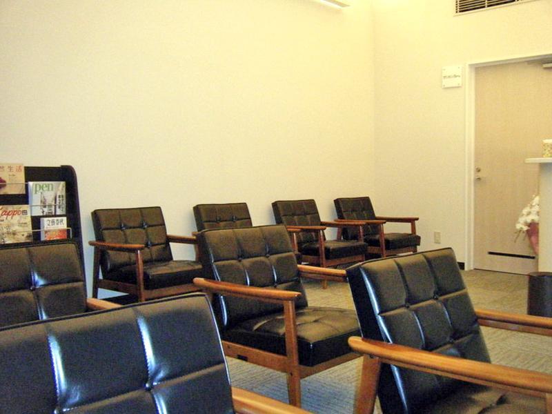 待合室:ゆったりとした空間でお待ちいただけます