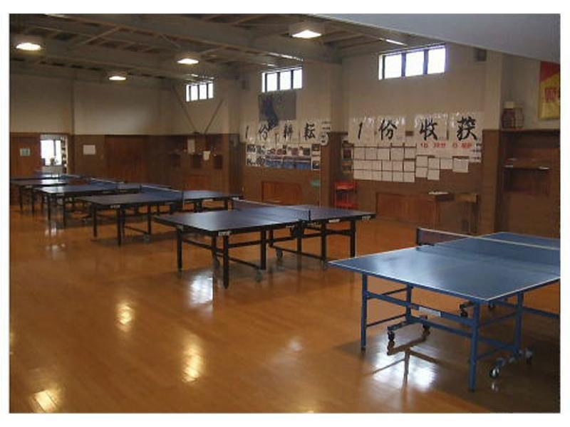 床は身体にやさしい卓球用床材を用いています