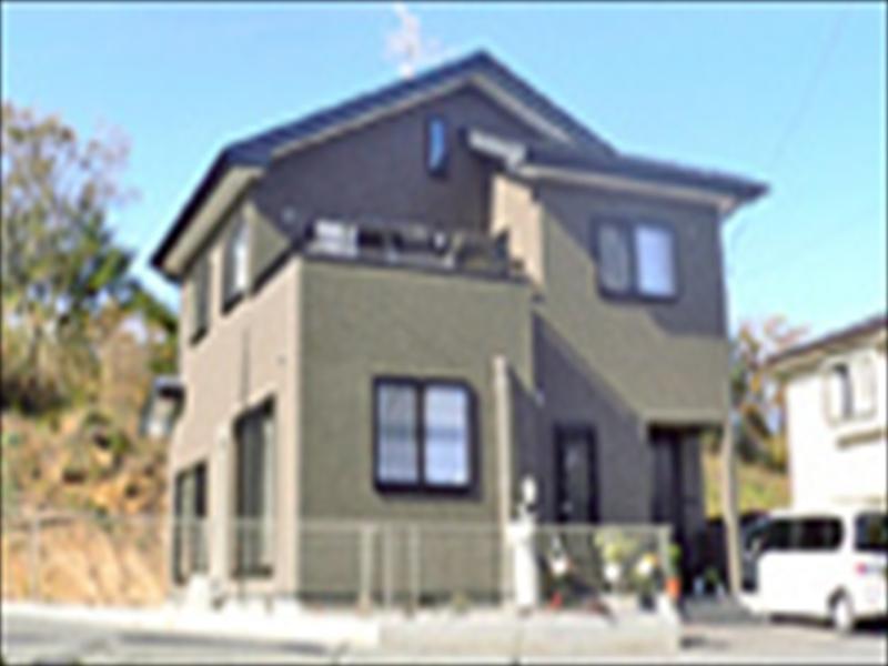広めのダイニングで家族が集まりやすい和洋折衷住宅