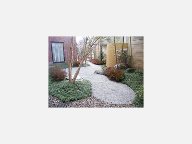 環境に応じた庭作りを心がけております