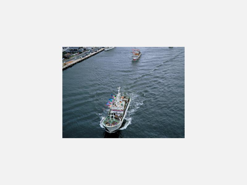 境漁港の船出